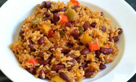 Bruine rijst en rode bonen